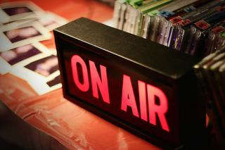 La radio sigue liderando hábitos de escucha en EEUU