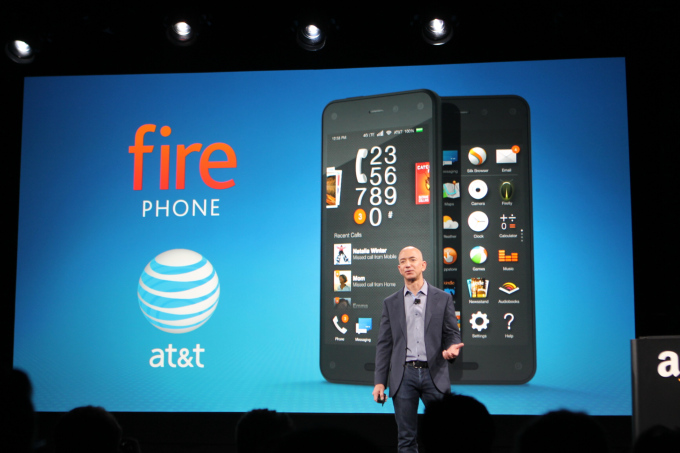 Amazon lanza su smartphone Fire e incluye Prime