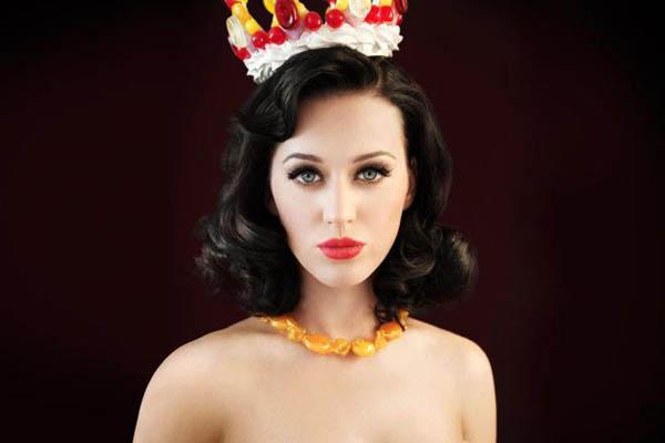 Katy Perry es la mujer con más ingresos en los últimos 12 meses en la música