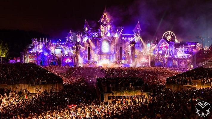 Tomorrowland llega a 8 millones de fans en Facebook, por ello le damos un vistazo sus redes y al top de festivales