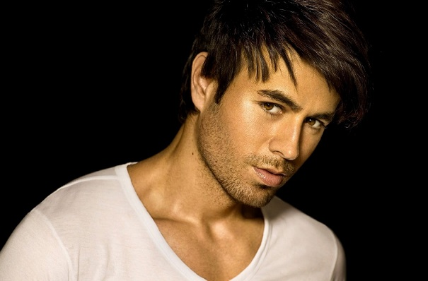 Según Billboard, Enrique Iglesias deja Universal Music y ficha por Sony Music