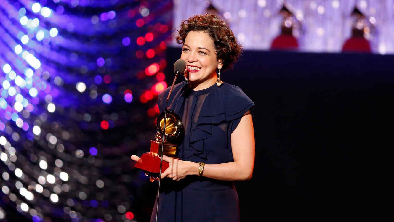 Lista de ganadores de la 16ta edición de los Latin Grammy, una noche para Natalia Lafourcade y Juan Luis Guerra