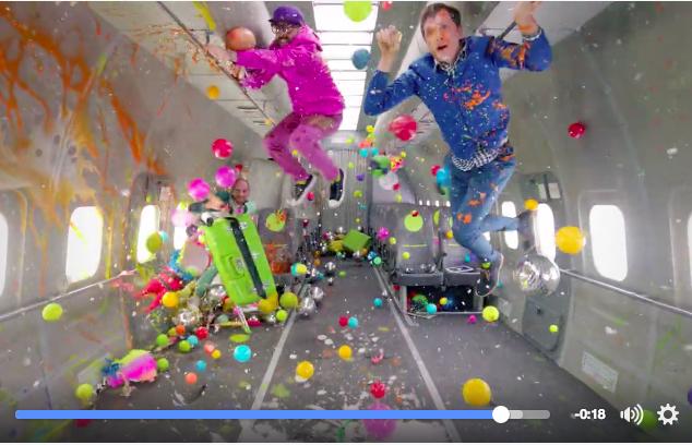 OK Go pasa de Youtube en el lanzamiento de su nuevo videoclip grabado en gravedad cero