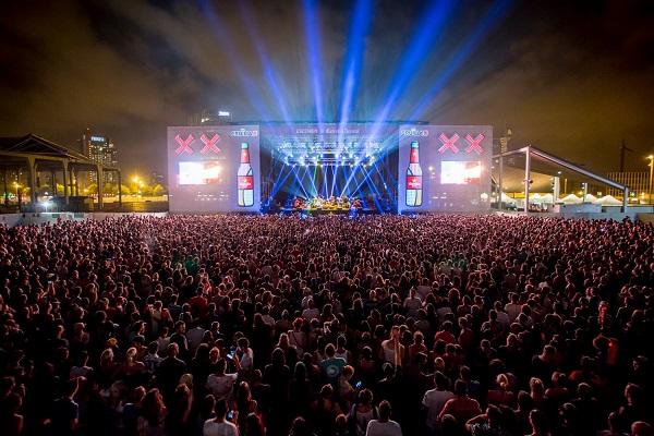 Detalles de los asistentes a festivales en España