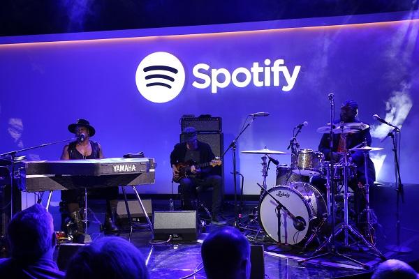 Spotify: del streaming a la industria del directo