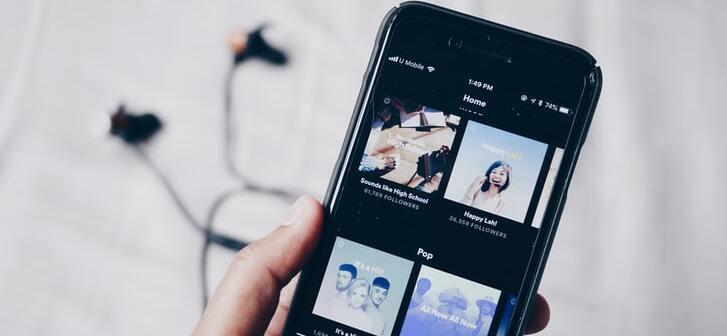 Spotify ve cómo cada vez más sellos y distribuidores acreditan a los compositores