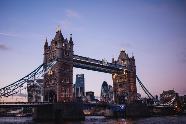Reino Unido presenta hoja de ruta para desconfinamiento