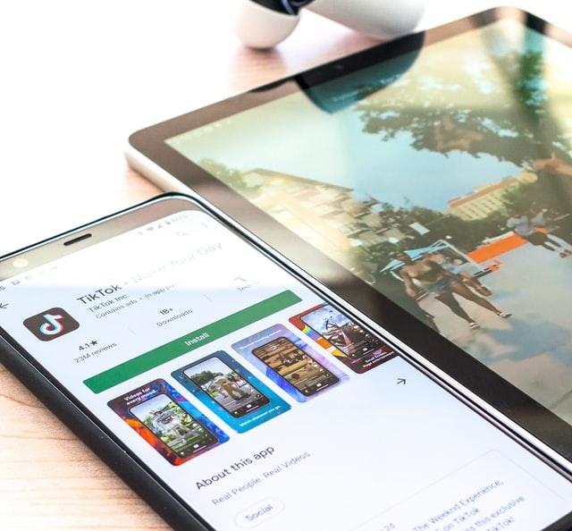 TikTok enfrenta demanda multimillonaria en Reino Unido por recopilar datos de menores